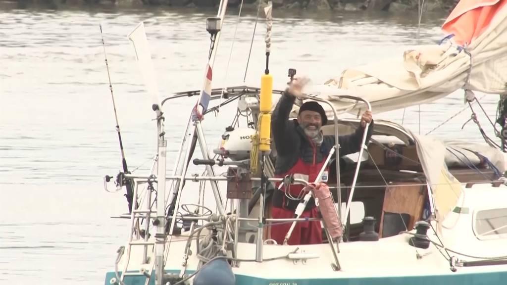Mann segelt alleine über Atlantik - um seine Eltern zu sehen