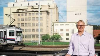 Für René Kühni wären Bauten der Bahn auf dem Mühleareal (Hintergrund) ein Fehler.