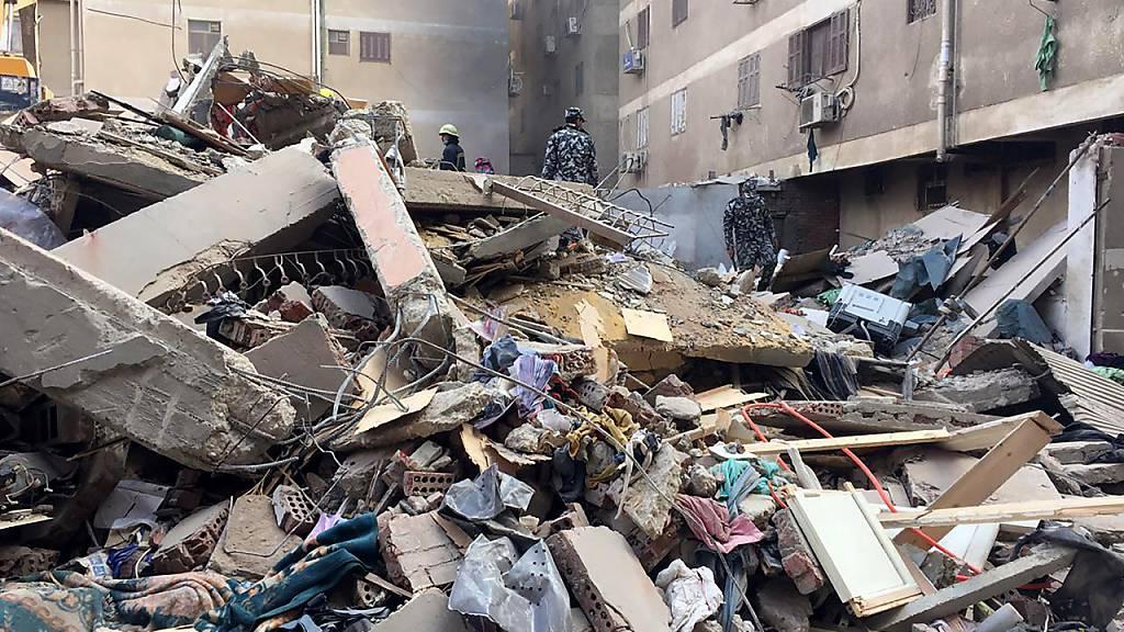 Wohngebäude stürzt in Kairo ein - acht Tote