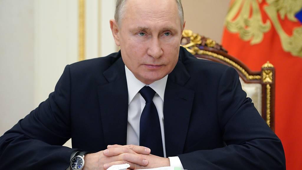 Kreml: Merkel und Putin besorgt über neue Spannungen in Ukraine