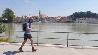 Extremsportler Jonas Deichmann umrundete Deutschland den Grenzen entlang in den drei Triathlon-Disziplinen.