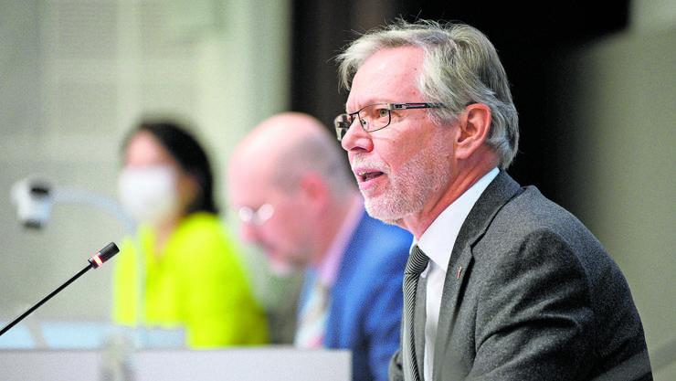 Landratspräsident Peter Riebli wurde es nicht leicht gemacht, in der Corona-Debatte die Ordnung zu wahren. (zvg)