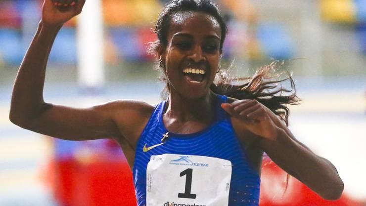 Genzebe Dibaba nach ihrem Weltrekord-Lauf über 2000 m in Sabadell