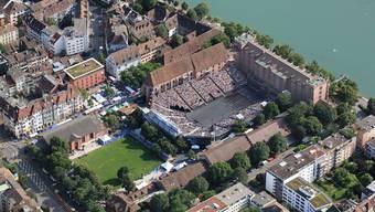 Das Kasernenareal: ein städtebaulich prägendes Geviert, das unter andererm dem Basel Tattoo als Kulisse dient.