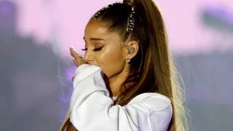 Ariana Grande kommen die Tränen, wenn sie über den tödlichen Anschlag auf ihr Konzert vor einem Jahr reden muss. (Archiv)