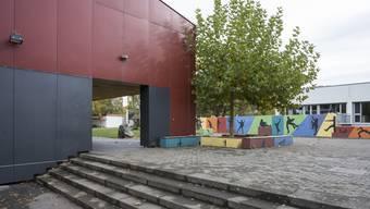 Blick auf die Schulanlage Dohlenzelg in Windisch. (Archivbild)