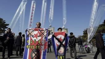 Aktivisten lassen von Südkorea aus Ballone mit Tausenden Botschaften steigen