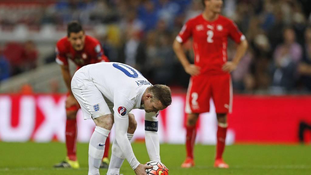 Stimmt's? Legt Wayne Rooney den Ball wirklich zwölf Yards entfernt vom Tor hin?