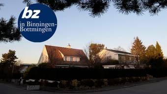 Am Bruderholzhügel von Bottmingen reiht sich Villa an Villa. Hier wohnen die Steuerzahler, dank denen es der Gemeinde gut geht.