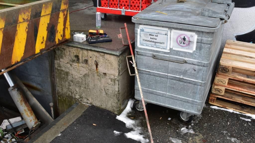 Monteur in Klosters an Rampe tödlich verunfallt