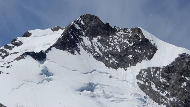 Der 56-jährige Alpinist stürzte am Piz Bernina, dem höchsten Berg Graubündens, 400 Meter in die Tiefe.