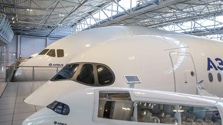 """Trotz Gewinneinbruch: Der zivile Flugzeugmarkt sei """"robut"""", heisst es bei Airbus. (Archivbild)"""