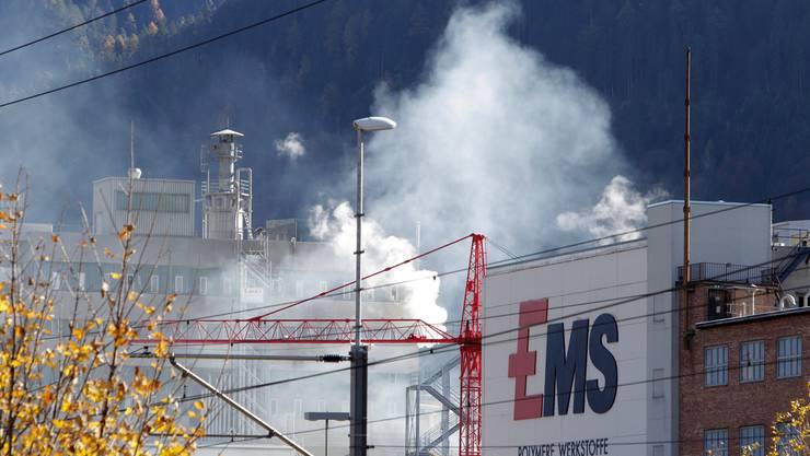 Blick auf das Werkareal der Ems-Chemie in Domat-Ems im Kanton Graubünden. (Archivbild)