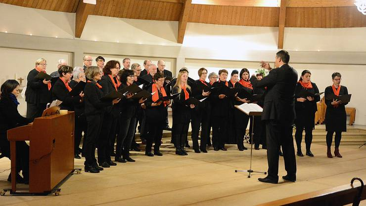 Der Kirchenchor Wolfwil begeisterte mit der Jugendmusik Aaregäu zum ersten Advent.