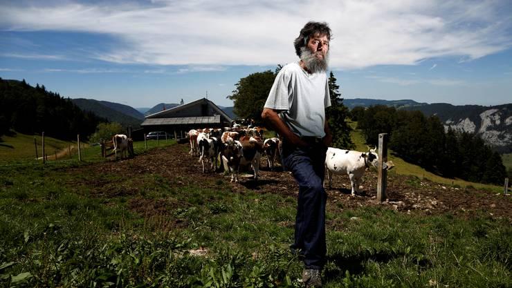 Ueli walker ist der einsame bauer vom stierenberg weitere regionen
