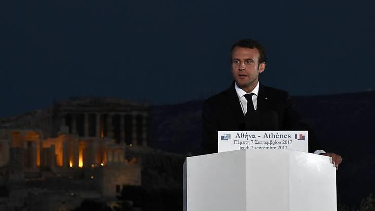 Vor der Akropolis hat Macron dazu aufgerufen, die EU demokratischer zu gestalten.