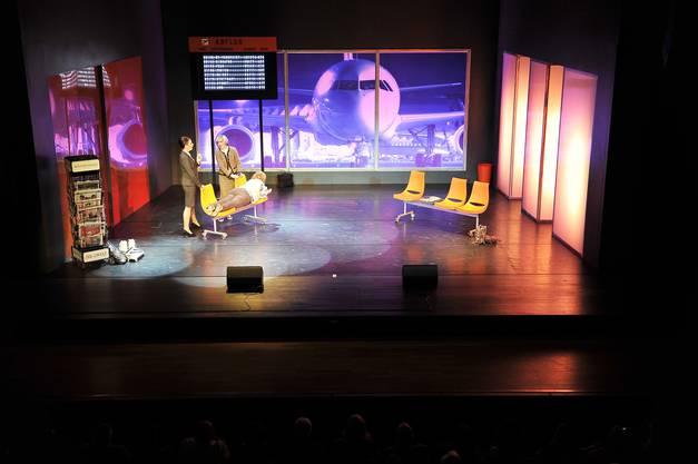 """Gastspiel der Komödie """"Heisse Zeiten"""" im Grenchner Parktheater"""