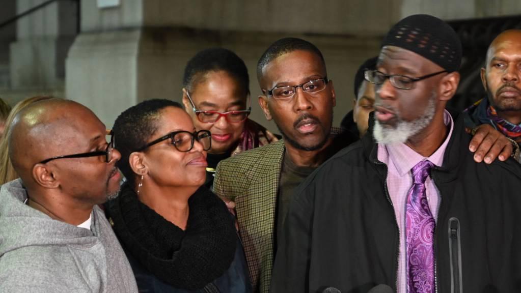 Nach 36 Jahren zu Unrecht im Gefängnis frei (von links): Andrew Stewart, Alfred Chestnut und Ransom Watkins am Montag in Baltimore.