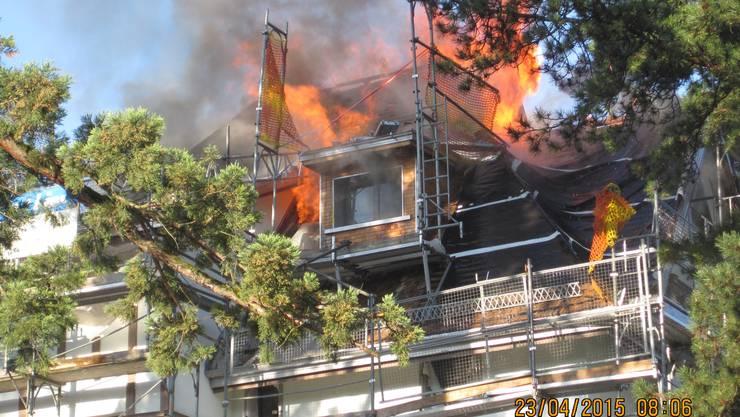 Das Feuer brach wahrscheinlich aufgrund von Umbauarbeiten aus.