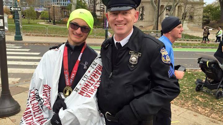 Evan mit Sgt McAlorum nach dem Marathon.