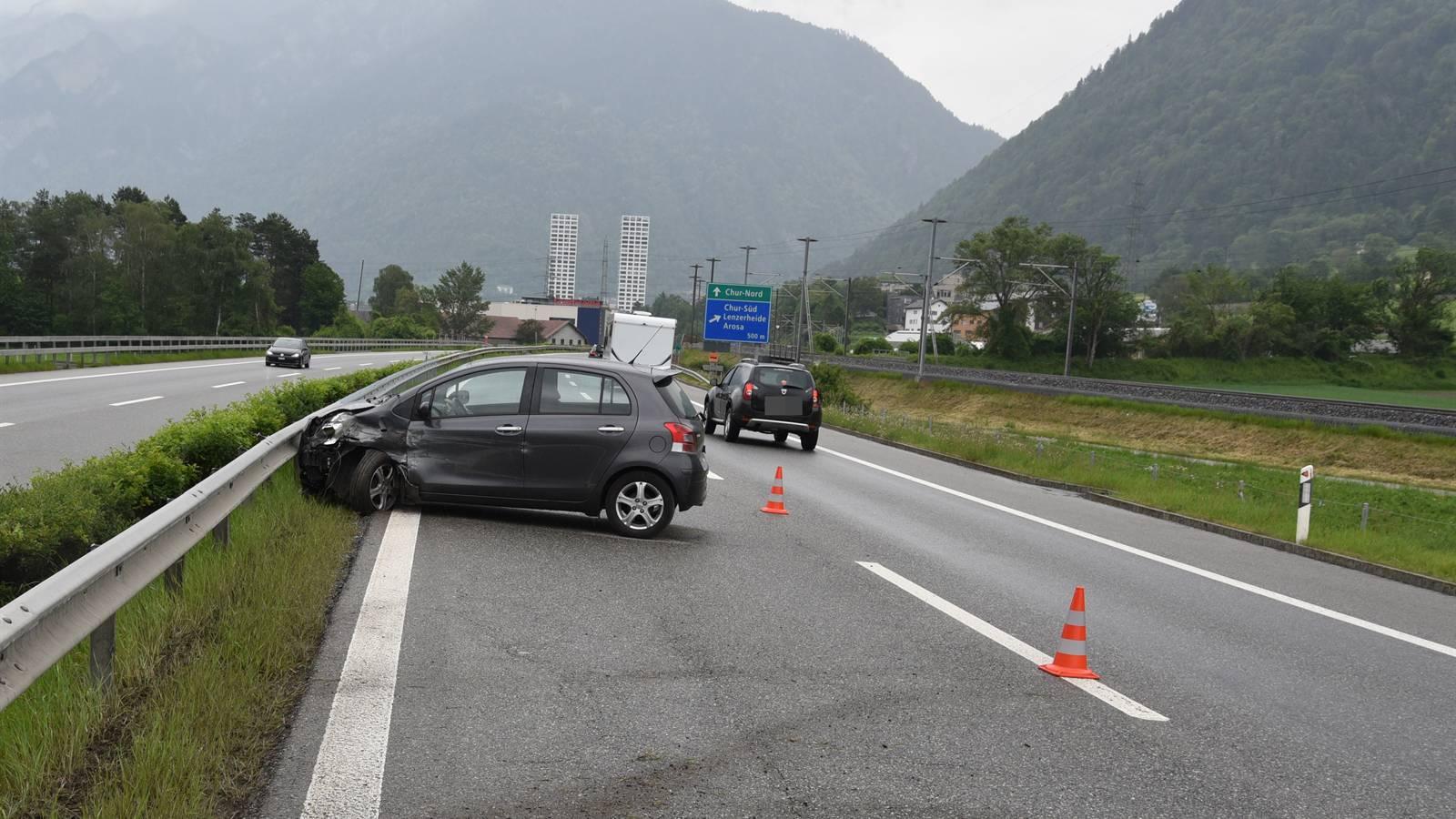 Unfall auf der A13: Die Kapo Graubünden sucht Zeugen.