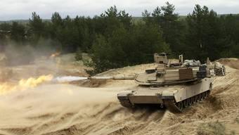Hier nur zum Training in Lettland, bald aber vielleicht schon permanenter Standort: Ein US-Panzer bei einer Übung in Lettland im Mai 2015 (Archiv)