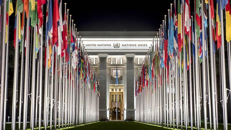 Der Bundesrat soll dem UNO-Migrationspakt im Dezember nicht zustimmen. Das empfehlen die Staatspolitischen Kommissionen (SPK) von National- und Ständerat. (Symbolbild)