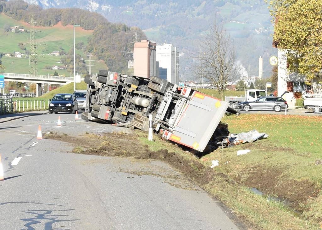 Der Unfall in Flums (© Kantonspolizei St.Gallen)