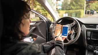 Parkplatz suchen, Auto parkieren, App im Handy anwählen, und schon kann das Ticket gelöst werden.