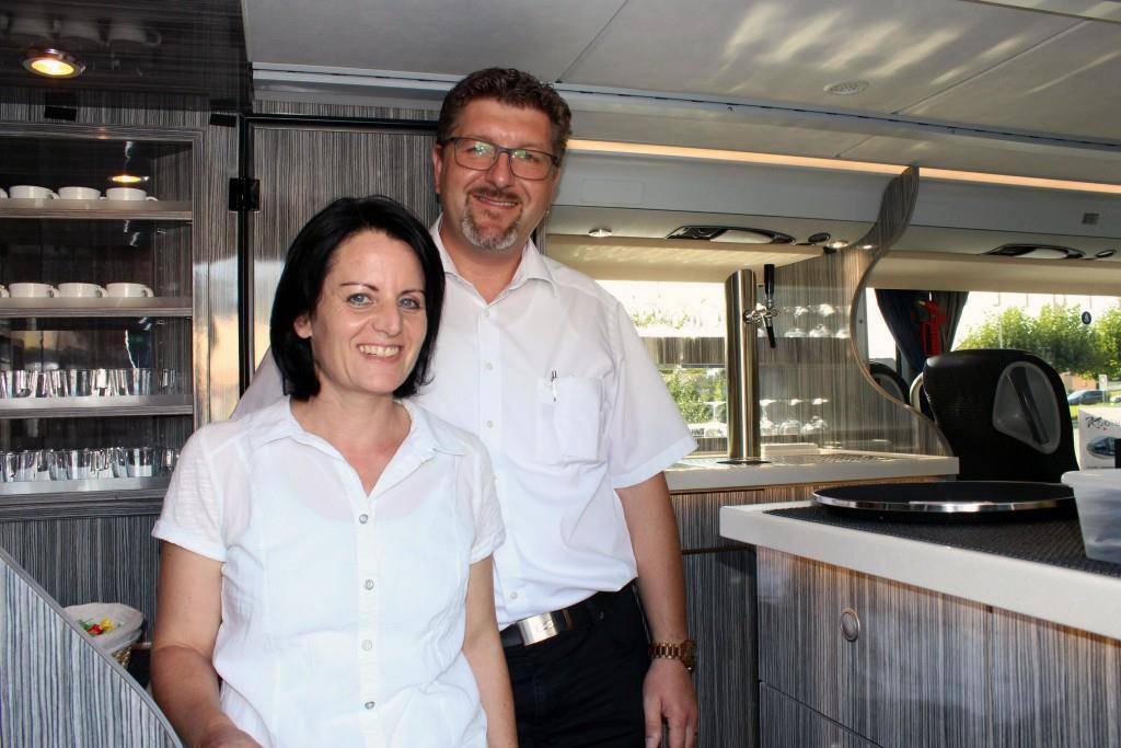 Brigitte und Thomas Kobler in der Board-Küche. (© mas)