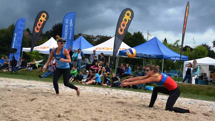 """Der Menziker Beachvolleyball Club Wyna wird neu ein Teil des SV Volley Wyna und als Abteilung """"Beach"""" in den regionalen Volleyballverein integriert."""