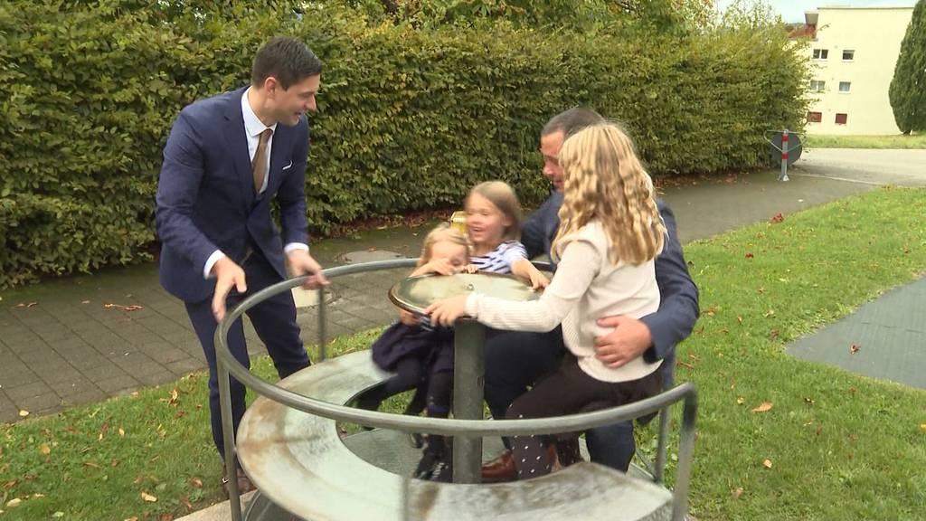 Vaterschaftsurlaub kommt: Stimmvolk stimmt den 2 Wochen Vaterschaftsurlaub zu