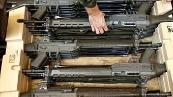 Schweizer Waffen sind Exportschlager. Die Diskussion um schärfere Regel für den Export ist in vollem Gang. (Archivbild)