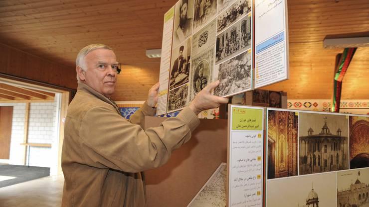 Einfache: Die Module zu Paul Bucherers Wanderausstellung können einfach zusammengesteckt und wieder abgebaut werden. In der afghanischen Provinz, wo Nägel und Schrauben Mangelware sind, ist das ein grosser Vorteil. (Martin Töngi)