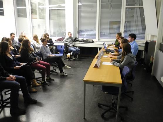 GV im Klassenzimmer.