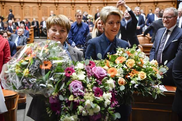 Die zwei neuen Bundesrätinnen: Viola Amherd und Karin Keller-Sutter freuen sich über ihre Wahl. Sie sind das 118. und 119. Mitglied des Bundesrates.
