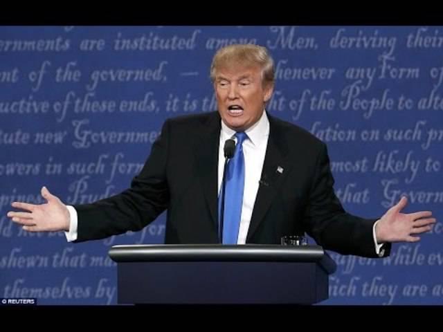 Als Antwort auf die Frage, ob er seine Steuern veröffentliche, setzt Trump zum Angriff auf Clinton an und fordert die Veröffentlichung von gelöschten Mails.