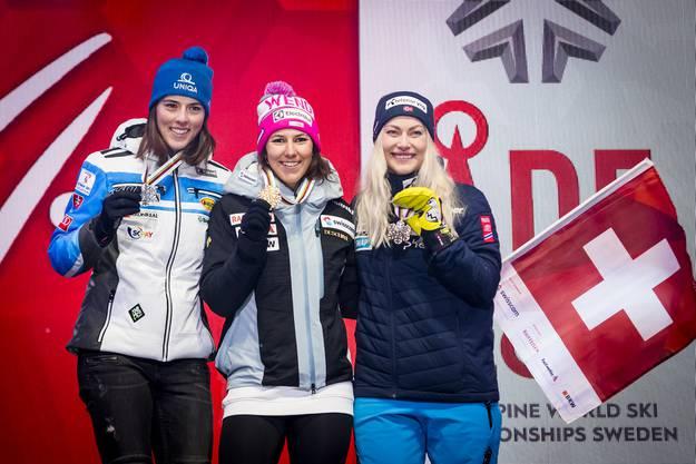 Das Podest: Zweite wurde Petra Vlhova, die Bronzemedaille holte sich Ragnhild Mowinckel.