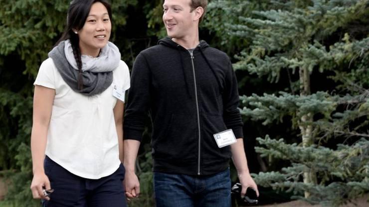 """Macht muss nicht immer glamourös aussehen: Das """"Time""""-Magazin zählt Mark Zuckerberg und Priscilla Chan zu den 100 einflussreichsten Menschen. (Archivbild)"""