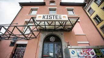 """Die """"Kiste"""" am Badener Schulhausplatz"""