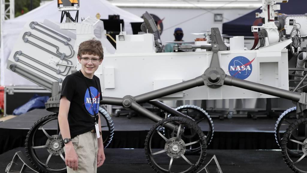 Helis auf der Suche nach Spuren auf dem Mars