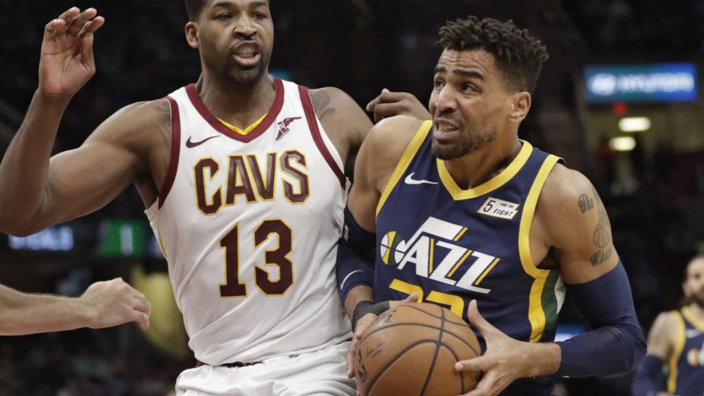 Thabo Sefolosha (rechts) stand nach gut einmonatiger Verletzungspause für Utah Jazz wieder kurz im Einsatz