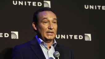 Gelobt nach dem skandalösen Rausschmiss eines Passagiers Besserung: United Airlines-Chef Oscar Munoz. (Archivbild)