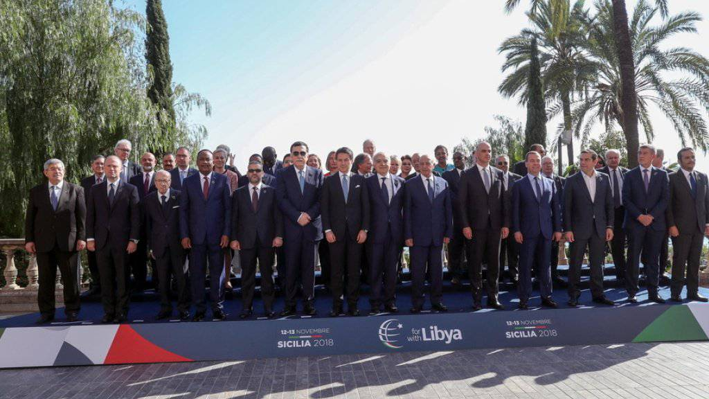 Die Teilnehmer der Libyen-Konferenz am Dienstag in Palermo.