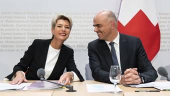 Sie überstrahlt den beliebten Bundesrat Alain Berset: Karin Keller-Sutter positioniert sich als neue starke Figur in der Regierung.