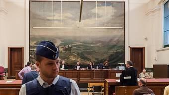Szene im Gerichtssaal während der Gerichtsverhandlungen zur Islamistenzelle in Verviers. Vier der Angeklagten sind zu mehrjährigen Haftstrafen verurteilt worden (Archiv)