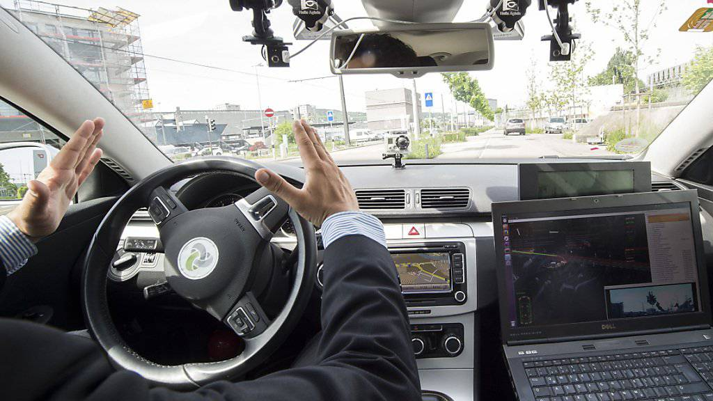 Für selbstfahrende Autos hat Deutschland nun einen gesetzlichen Rahmen in Kraft gesetzt (Symbolbild)