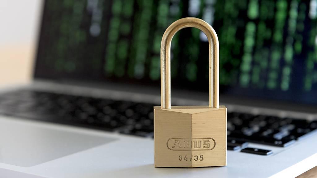 Das VBS hat festgelegt, wie es sich im Bereich Cyber-Abwehr bis 2024 positionieren will. (Symbolbild)