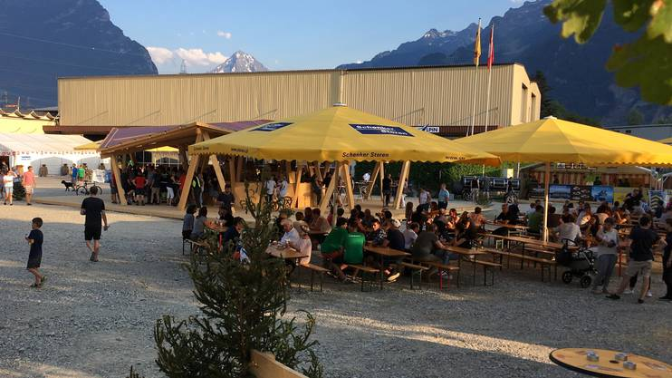 Bereits am Freitag waren gut 2000 Gäste in Flüelen.