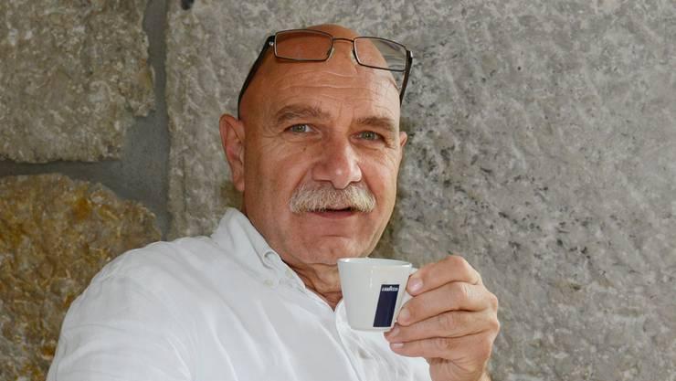 Seit 1991 verkauft Antonio Stuto (61) seine Waren auf dem Markt.